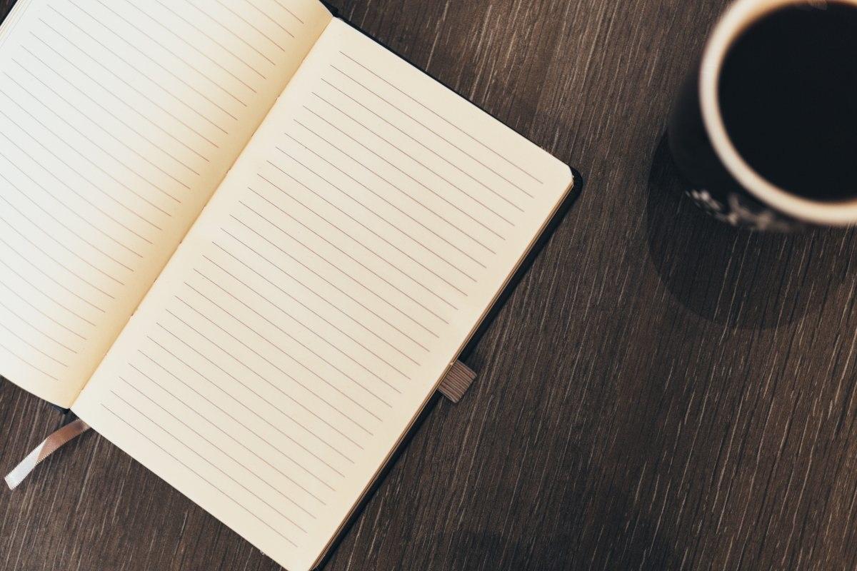 ノート コーヒー 机