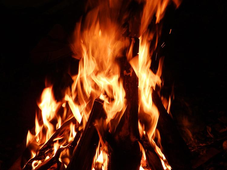 夏至祭 焚き火